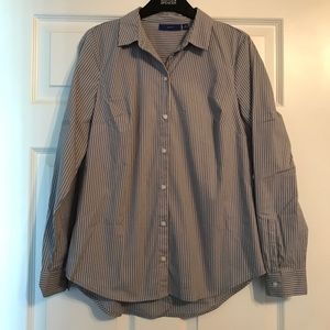 gently used APT 9 button up shirt
